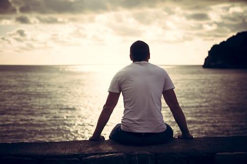 Pourquoi se sent-on seul pendant les fêtes ?